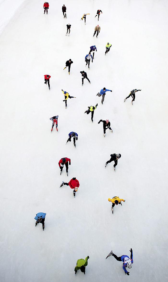 Гонка на Ридо, одном из самых известных длинных катков в мире, -- часть праздника Winterlude в канадской Оттаве