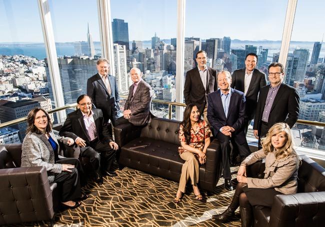 Джон Чемберс и ключевые менеджеры Cisco, один из которых через два-четыре года может стать новым гендиректором компании
