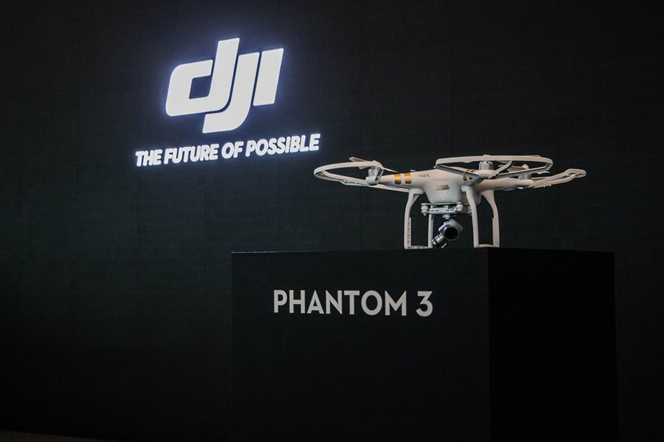 Последняя версия флагманского дрона от DJI – Phantom 3