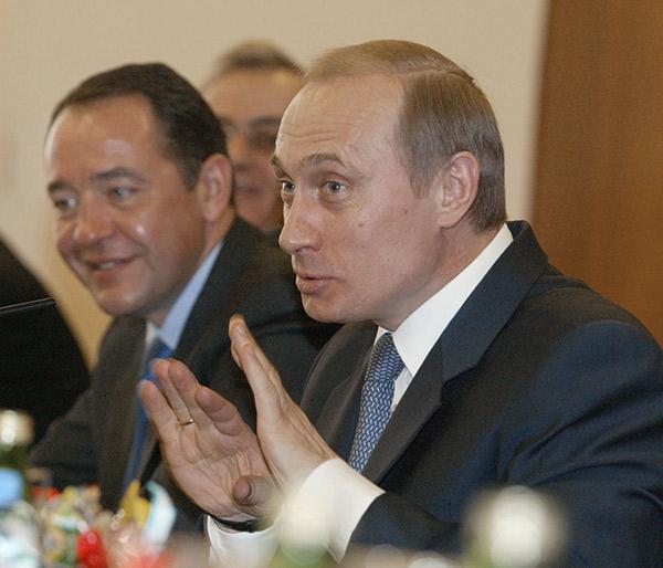Михаил Лесин и президент России Владимир Путин