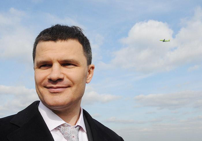 Собственники аэропорта Домодедово во главе с Дмитрием Каменщиком зарабатывают дополнительную прибыль на керосине из госзапасов