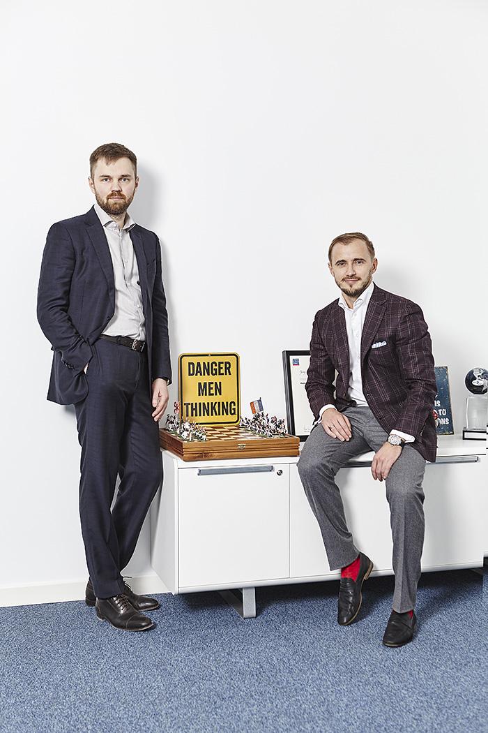 Артем Кириллов (слева) и Юрий Адамович имеют богатый опыт реструктуризации кредитов