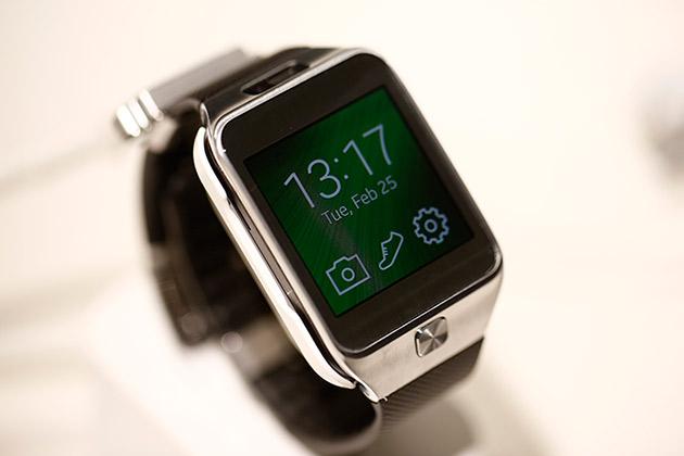 Второе поколение умных часов Samsung Galaxy Gear – попытка компании разом снять накопившиеся к первой версии устройства претензии