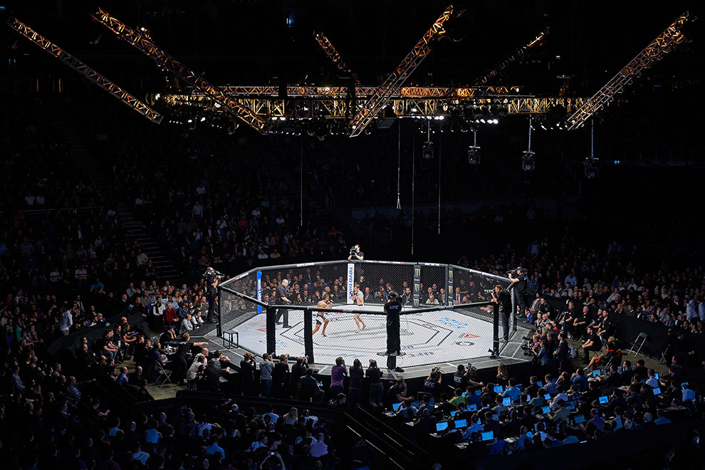 На турнир UFC в Лондоне приходят 17 000 человек