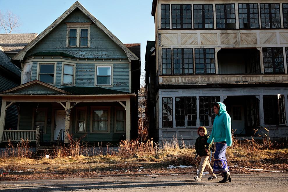 Сквоттеры не только занимают отдельные здания, но и устраивают целые поселения, захватывая государственную землю