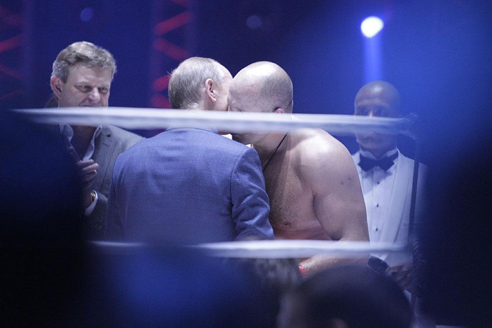 Владимир Путин приходил на бои Федора Емельяненко в 2007, 2011 и 2012 годах