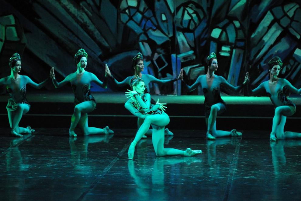 Вернется на историческую сцену Мариинки балет Юрия Григоровича «Каменный цветок» на музыку Прокофьева