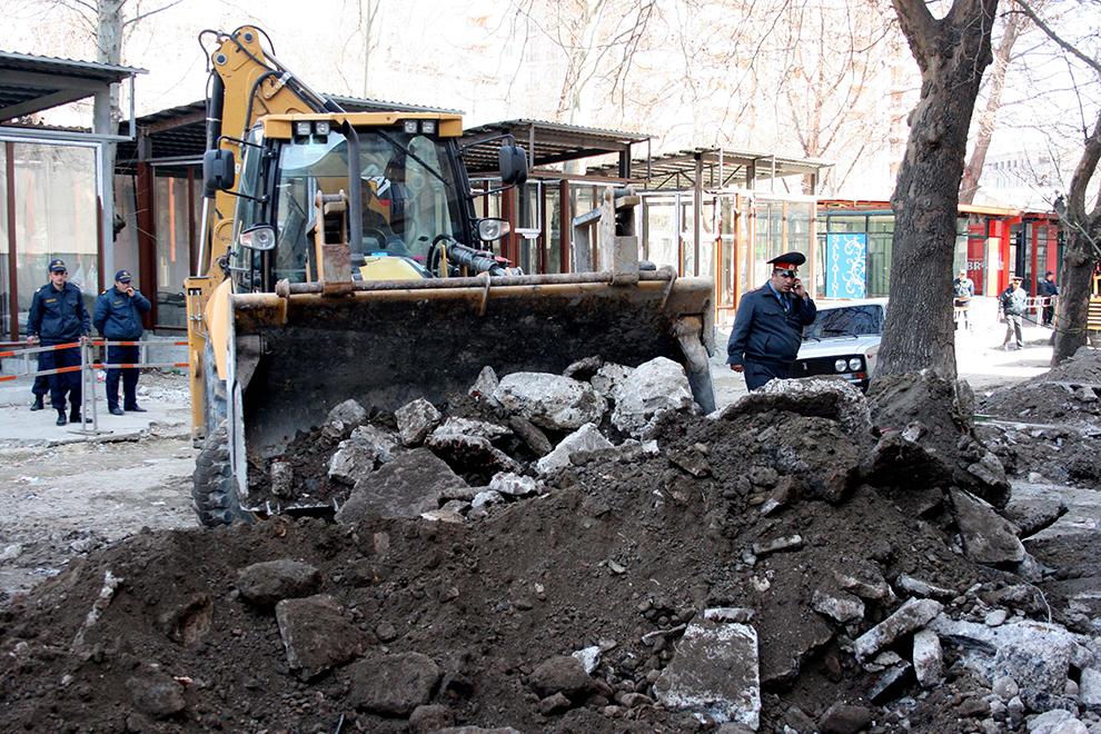 Владельцам снесенных киосков в Ереване предложили для застройки сквер в центре города.