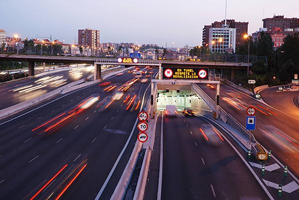 Из 99 км магистрали М-30 вокруг центра Мадрида более 56 км проложено под землей.