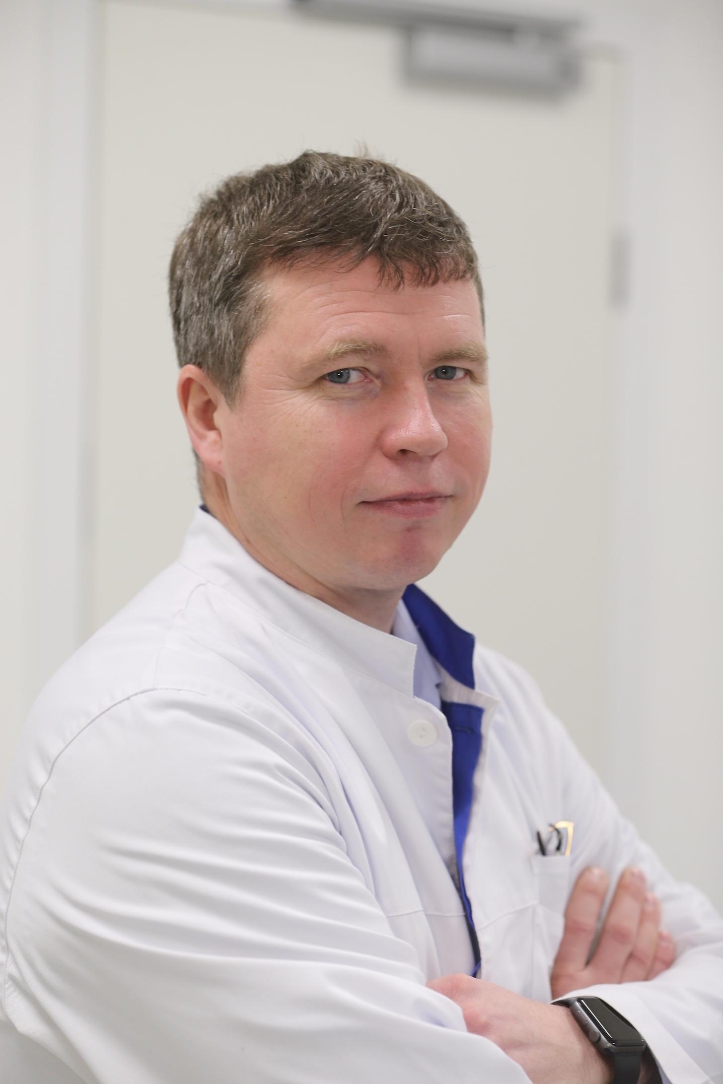 Алексей Лобков, Руководитель направления челюстно-лицевой хирургии Европейского медицинского центра (ЕМС)