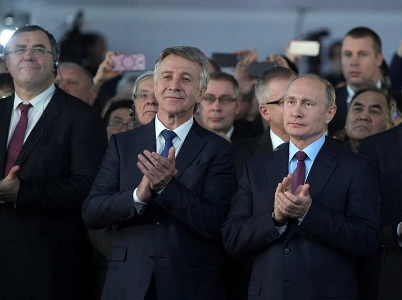 Во время торжественной церемонии открытия завода по сжижению природного газа «Ямал СПГ».