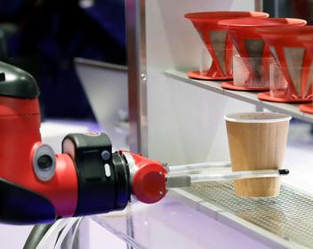 Россияне отказались верить в то, что роботы могут их заменить