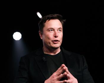 Разочарование от Маска. Tesla показала убыток в $702 млн