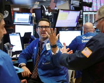 «У рынка одно настроение — продавать»: к чему готовиться инвесторам в российские активы
