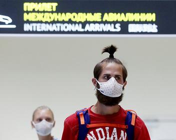 Отдых без права возвращения: как 30 000 россиян лишились возможности вернуться на Родину