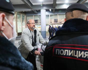 «Униженные и буквально растоптанные»: россияне рассказали о проблемах с вылетом на родину