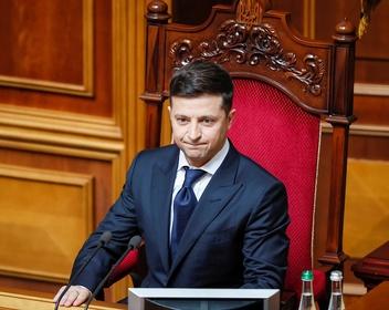 Украинский Макрон. Политологи о первых политических решениях Зеленского
