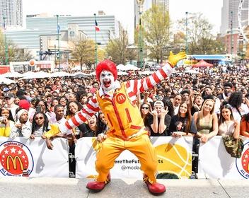 McDonald's за $300 млн купит компанию, в которую вложился фонд Сбербанка
