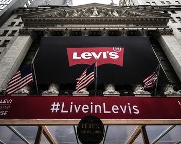 Как линия женской одежды помогла Levi Strauss с триумфом вернуться на биржу