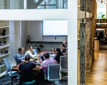 «Гендиректор бывает одиноким»: как в США работают группы поддержки для топ-менеджеров и бизнесменов