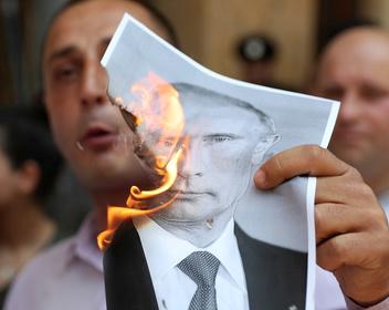Депутат Госдумы спровоцировал массовые протесты и штурм парламента в Грузии