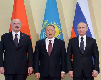 В Кремле обсуждают сценарии передачи власти Путиным