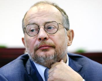Миллиардер Лисин продал топ-менеджеру «Татнефти» долю в банке «Зенит»