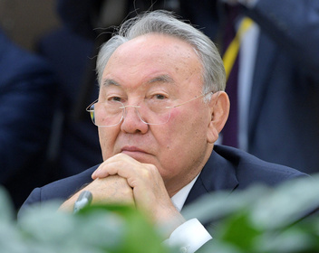 Крепкий автократ. Что значит для России отставка Назарбаева