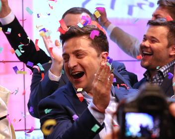 Зеленский побеждает на выборах президента Украины с почти трехкратным преимуществом