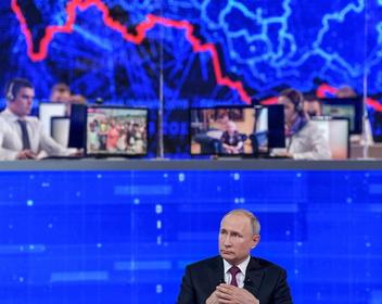 «Премодерация с вопросом была». Как Гоблин, основатели LavkaLavka, MDK и Promobot попали на прямую линию с Путиным