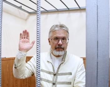«Это можно считать пытками». Как Басманный суд арестовывал Бойко-Великого