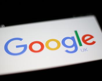 Google запретила сотрудникам обсуждать политику во внутренних чатах