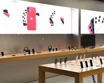 «Продажи упали у всех»: партнеры Apple снизили цены на iPhone в России