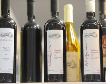 «Коммерсантъ» узнал о подготовке запрета ввоза грузинского вина в Россию