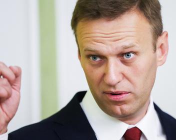 Путин заявил о личной просьбе к прокуратуре выпустить Навального в Германию