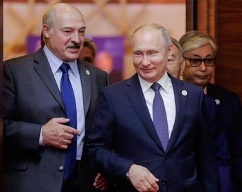 Лукашенко заявил о договоренности с Путиным по помощив защитеБелоруссии