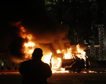 «Абсолютный хаос»: протесты из-за гибели афроамериканца в США начали влиять на большой бизнес