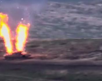 В Нагорном Карабахе резко обострился конфликт между Арменией и Азербайджаном. Главное