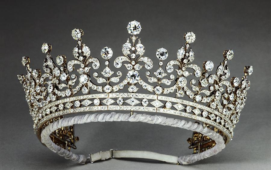 Тиара Girls of Great Britain and Ireland, золото, бриллианты, Garrard