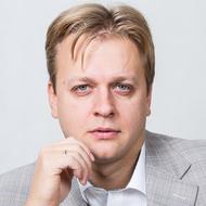 Дмитрий Макаренко