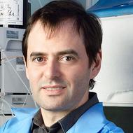 Максим Скулачев