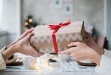 10 бьюти-подарков на Новый год. Для него и для нее