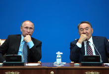 Назарбаев против Путина: в чем переиграл президента России экс-глава Казахстана