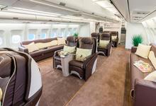 «Супер-пупер-бизнес-чартер»: пассажиры VIP-рейса на ВЭФ заплатили более €7000 за перелет и застряли в аэропорту