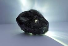 В Африке нашли алмаз размером «больше теннисного мяча»