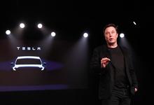 Маск похвалил хакеров за отчет о проблемах автопилота Tesla