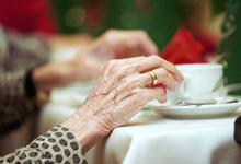 Золотые унитазы пенсионерам. Деньги коррупционеров передадут в ПФР
