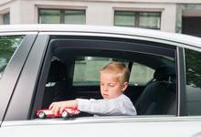 Три типа родителей, которые мешают своим детям повзрослеть