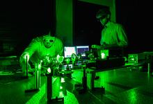 Нобелевская по физике: за лазерные технологии