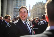 Илон Маск анонсировал создание роботакси Tesla